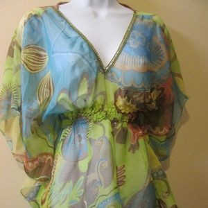 S - GIRL VINTAGE TOP/SIZE MED/butterfly sleeves